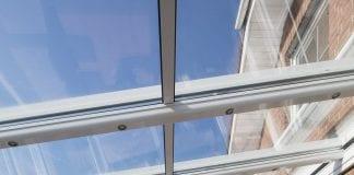 come chiudere un terrazzo con vetro scorrevoli